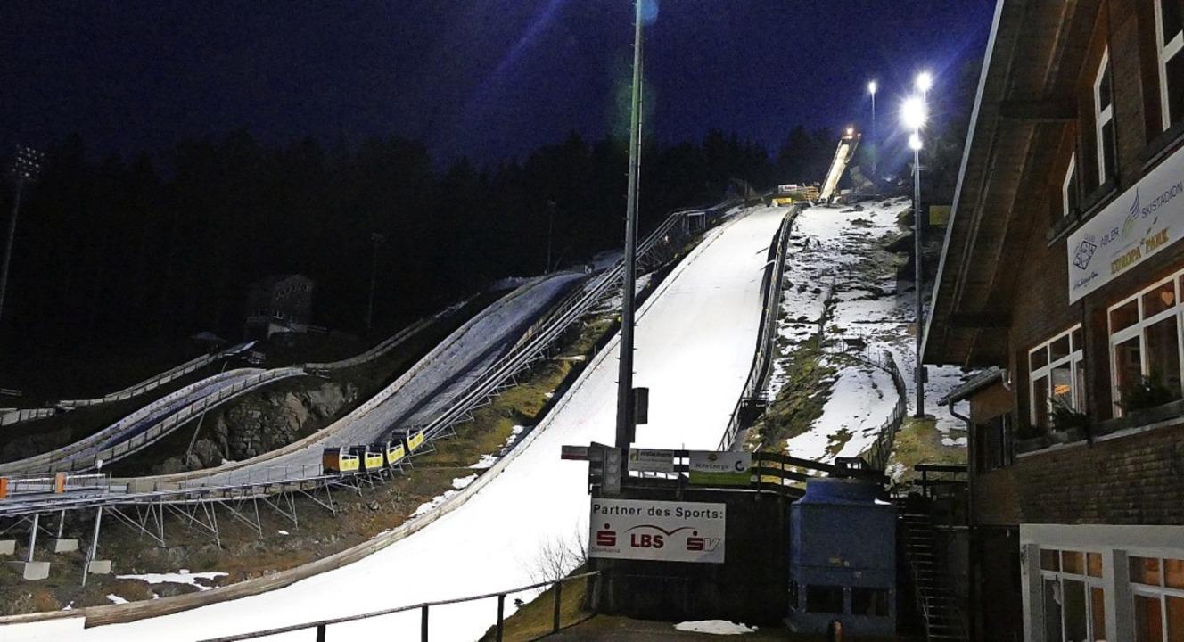 Verbotene Landezone: Die große Rothaus... sowie der 30- und 15-Meterschanze.     | Foto: Johannes Bachmann