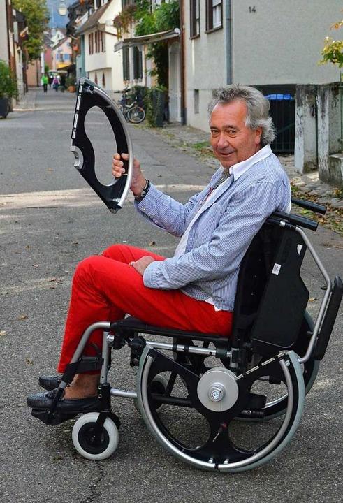 Christian Czapek: Hier ist der Staufen...em neuentwickelten Rollstuhl zu sehen.  | Foto: Hennicke Gabriele