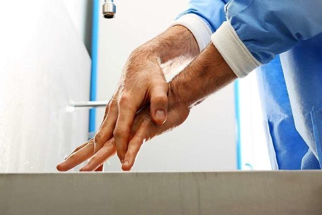 Warum man seinen Arzt fragen sollte, ob er sich die Hände gewaschen hat