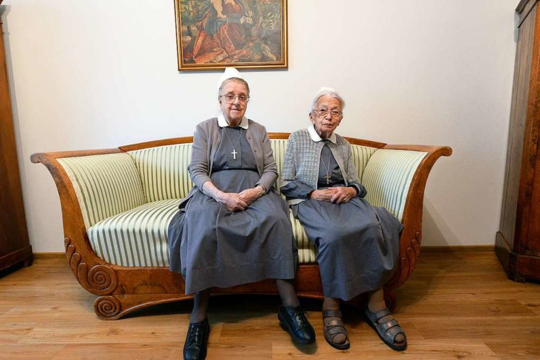 Seit 70 Jahren sind sie Diakonissen &#...chauer (89, links) und Luise Luhr(99).  | Foto: Ingo Schneider