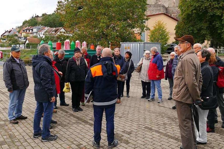 BZ-Card-Inhaber waren ganz nah dran an der Arbeit des Wasserstraßen- und Schifffahrtsamtes in Breisach. Zu erleben gab es eine eine Bootsfahrt sowie Führungen auf dem Rheindamm, an der Schleuse und auf dem Betriebshof. (Foto: Kim Lübke)
