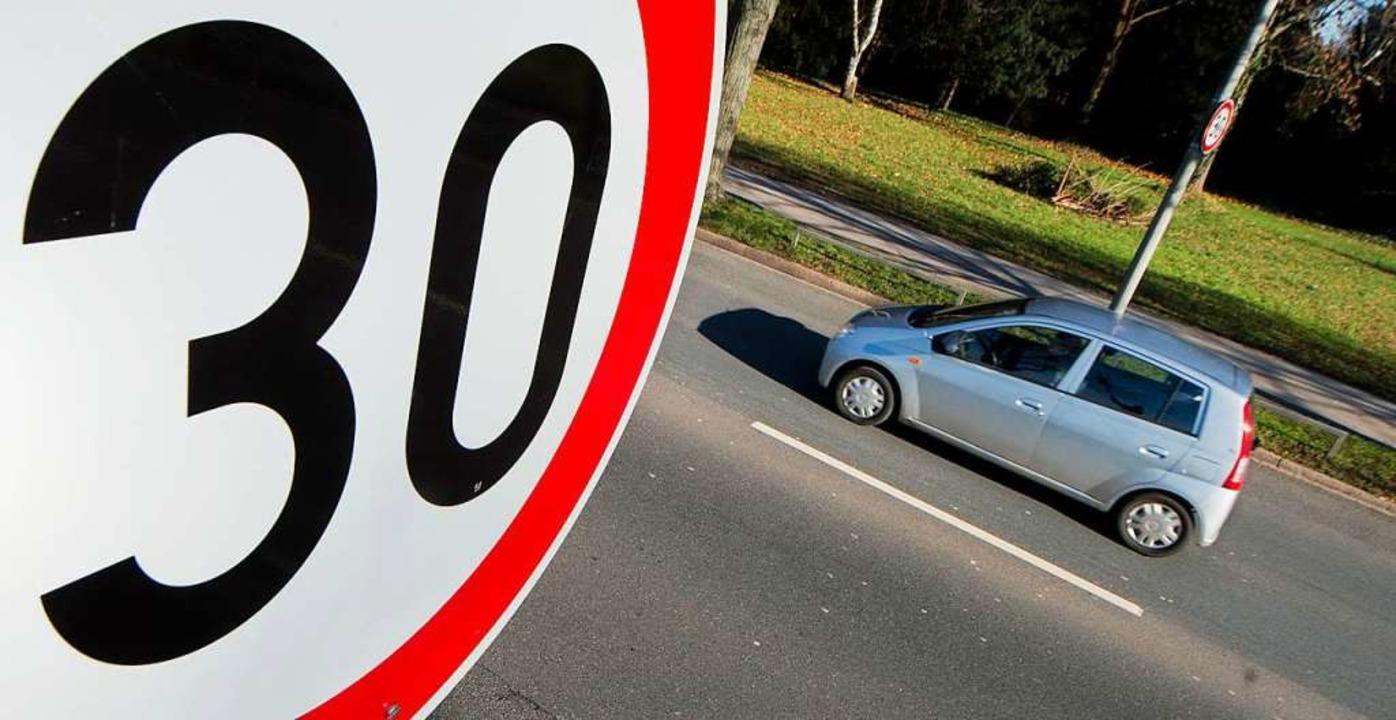Auf Tempo 30 müssen die Oberschopfheim... die B3 hat das Landratsamt abgelehnt.    Foto: Julian Stratenschulte