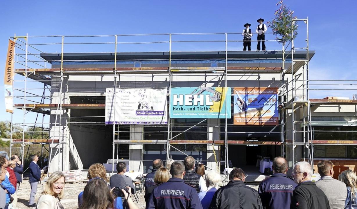 Der Blick geht nach oben und nach vorn...erätehaus, das 2020 fertig sein soll.     Foto: Victor Adolf