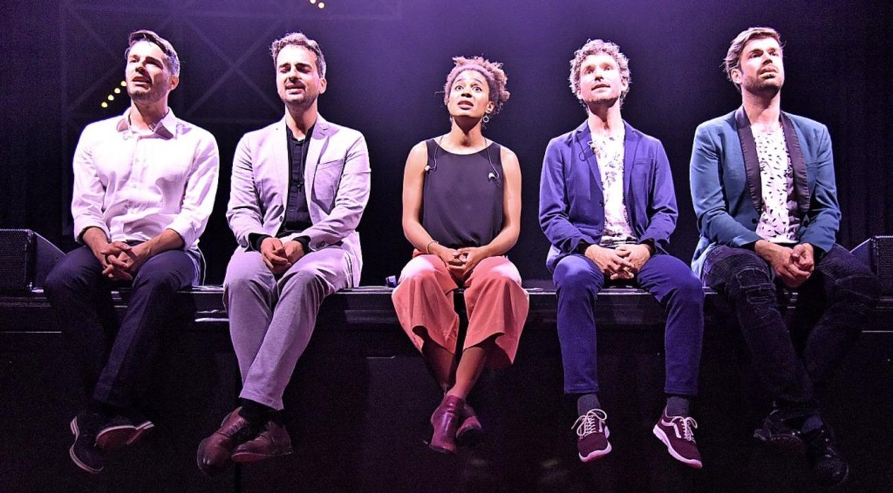 Cornelius Mack, Patrick Heil, Julienne...edeten sich unplugged sehr einfühlsam.  | Foto: Markus Zimmermann