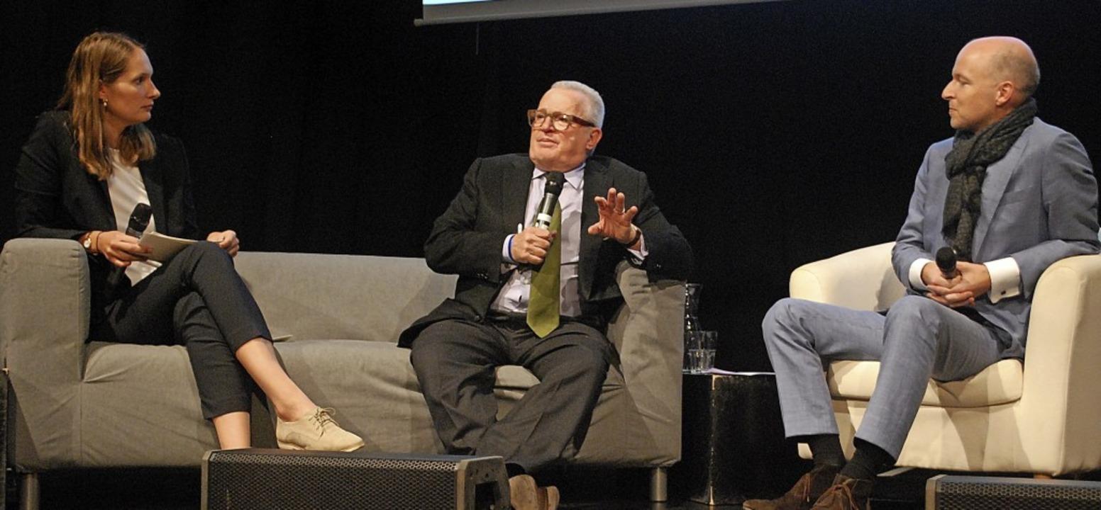 Thomas Sattelberger (Mitte) im Gespräch mit Constanze Wehner und Tim Göbel  | Foto: Thomas Loisl Mink