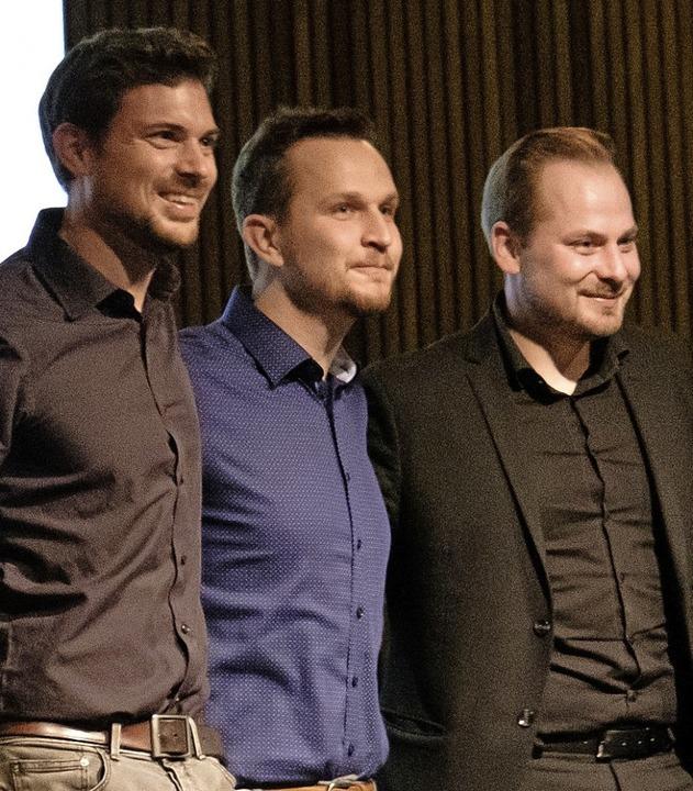 Die drei Macher des Burghof-Slam und A....), Nik Salsflausen, Johannes Elster.   | Foto: Ansgar Taschinski
