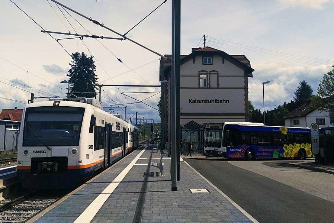 Ein attraktives  Zusammenspiel von Bus...ien im Nahverkehrsplan 2021 gefährdet.  | Foto: Martin Wendel