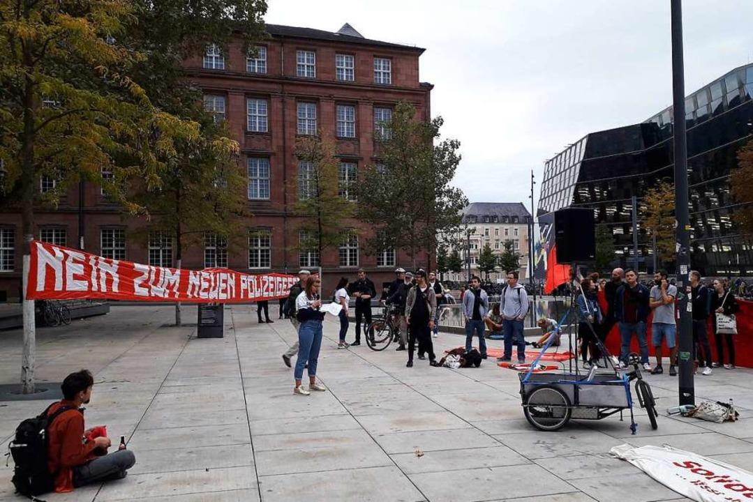 Ultras stellten sich gegen eine Verschärfung des Polizeigesetzes.  | Foto: Fabian Vögtle