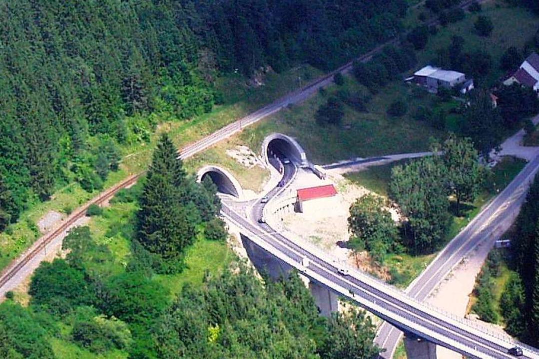 Unvollendet bis heute ist die 800 Mete...lle Nutzung beider Tunnels verhindert.  | Foto: Christa Maier