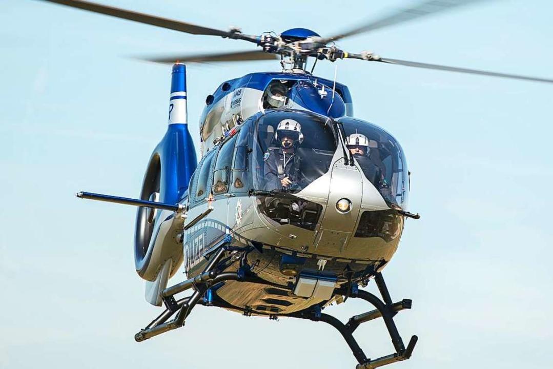 Ein Hubschrauber der Polizei kreiste am Samstag über Gundelfingen. Symbolbild.  | Foto: Wolfram Kastl
