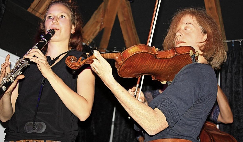 Klezmermusik vom Feinsten boten  in Fr...tesleben und die Gruppe Mischpoke.        Foto: Hans-Peter Schmid