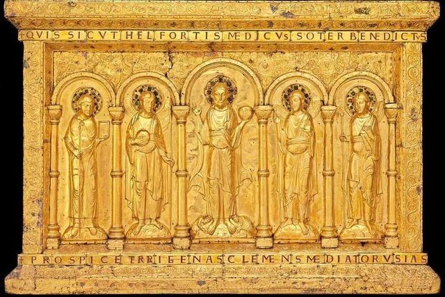 Die goldene Altartafel des Münsters ist zurück