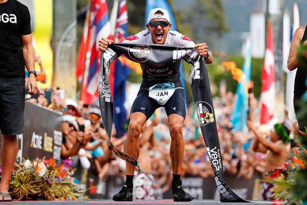 Sieger in Rekordzeit: Jan Frodeno  | Foto: Marco Garcia (dpa)