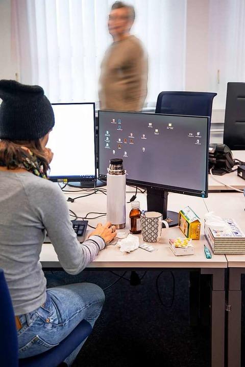 Viele Kollegen finden das gar nicht angenehm: Sie fürchten, sich anzustecken.    | Foto: Joss Andres