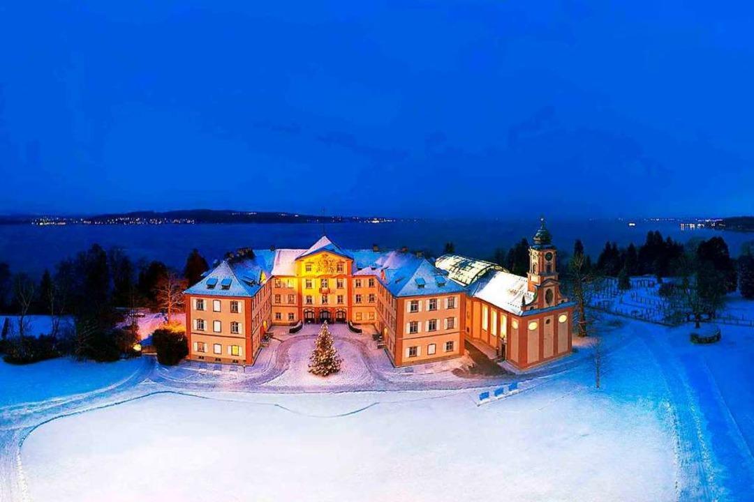 Winteridylle mit besonderem Charme: das Barockschloss auf der Mainau  | Foto: Mainau GmbH