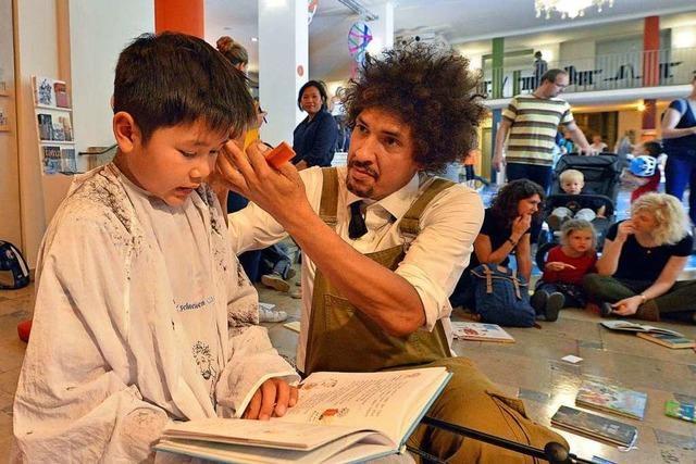 Beim Lirum-Larum-Lesefest gab's Haarschnitte für fleißige Vorleser