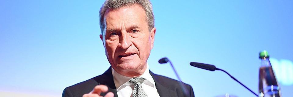 Sprache ist sein Freund und Feind zugleich: Oettinger sagt Adieu