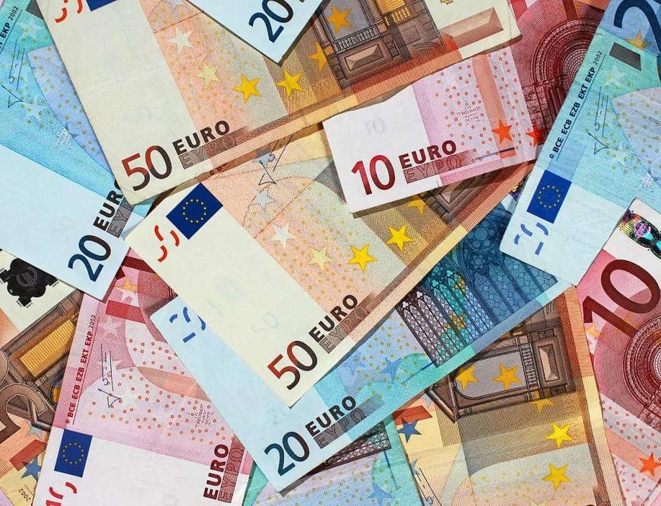 Euro-Banknoten (Symbolbild).  | Foto: Jens Wolf