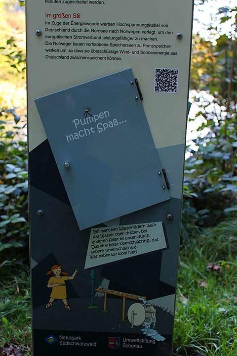 Die Stelen enthalten aktuelle Infos &#...ann man sich auf dem Laufenden halten.  | Foto: Martin Klabund