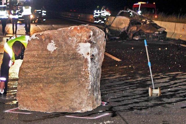 Nach tödlichem Unfall mit Felsbrocken: Identität des Fahrers weiter unklar