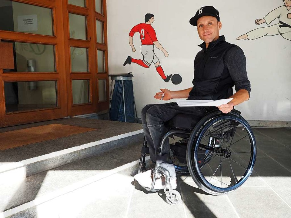 Hier ist für Benjamin Rudiger schon Sc...ufen zur Sporthalle nicht bewältigen.   | Foto: Susanne Gilg
