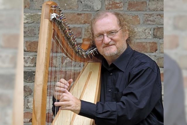 Christoph Pampuch gibt Harfenkonzert in der altkatholischen Kirche in Bad Säckingen