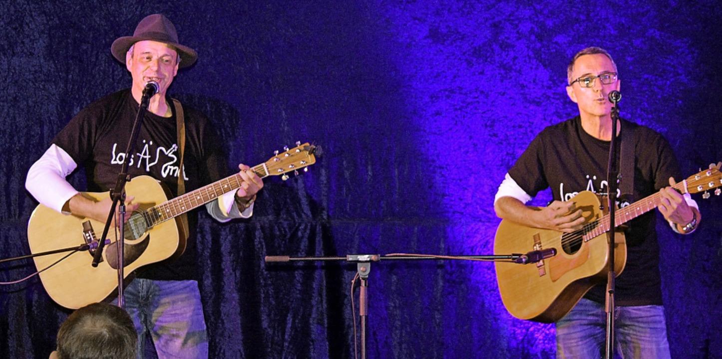 Kein Auge blieb trocken als die Gruppe... ihre Lieder mit eigenen Texten sang.   | Foto: Gert Brichta