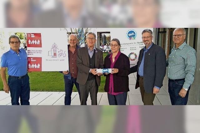 Lahr erhält von Freiburg den Eine-Welt-Staffelstab