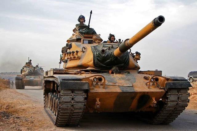 USA verhängen Sanktionen gegen Türkei und bieten Vermittlung an