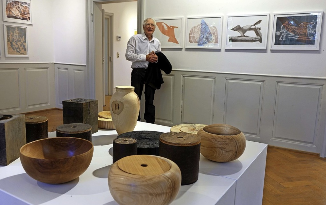 In der neuen Doppelausstellung im Haus...olzgefäße von Oliver Kreiter zu sehen.  | Foto: Roswitha Frey