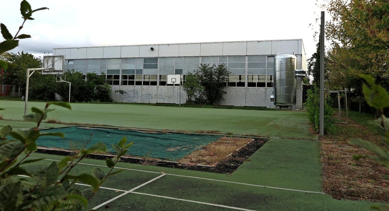 Handlungsbedarf in puncto Sanierung gi... der Außensportanlage der Realschule.   | Foto: Dorothee Philipp