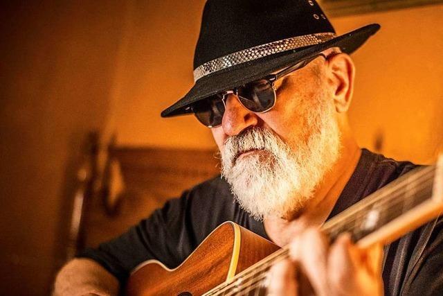 Mick Kolassa tritt beim Freiburg Blues Festival auf