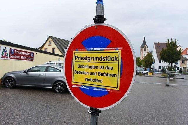 Sperrung des Ochsen-Parkplatzes sorgt für Unmut in Steinen