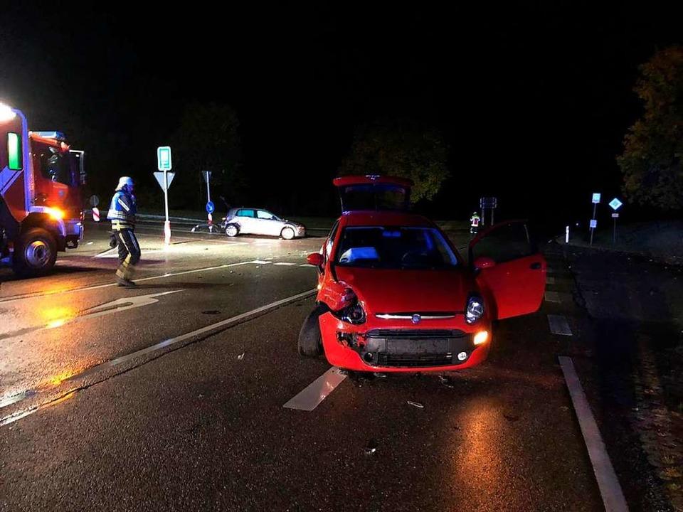 Bei einem Verkehrsunfall, an dem  zwei...-jährige Autofahrerin schwer verletzt.  | Foto: Olaf Thor