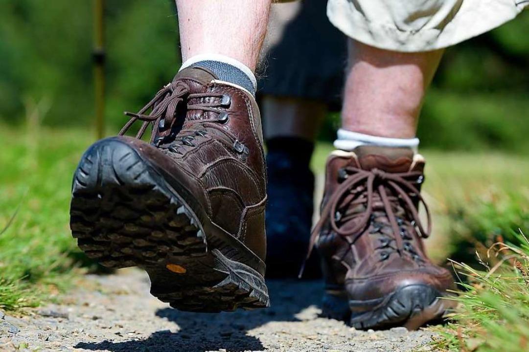 30 Schuhe wurden in Neuenburg gestohlen  | Foto: Swen Pförtner/dpa