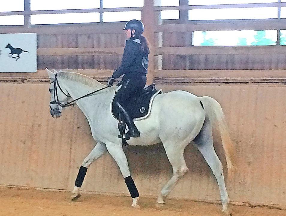 Lynn Eichkorn war auf ihrem Pferd Obelix unterwegs.  | Foto: suedkurier