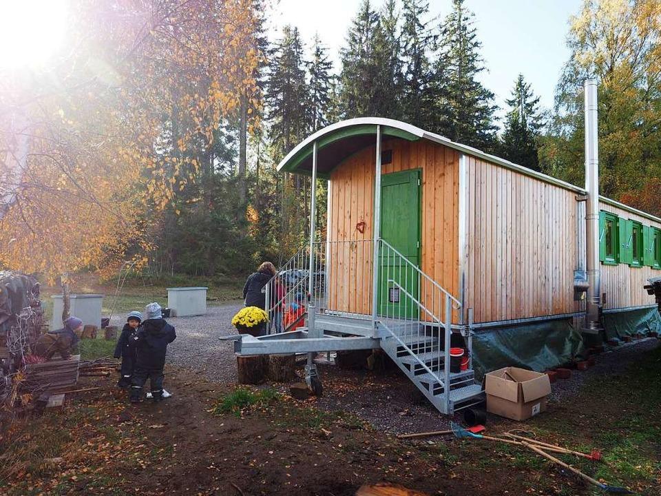 Der Bauwagen bietet Schutz und Wärme.  | Foto: Susanne Gilg