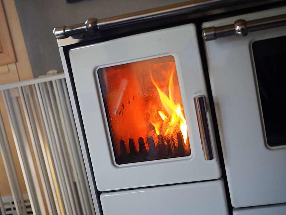 Ein Ofen spendet wohlige Wärme.  | Foto: Susanne Gilg