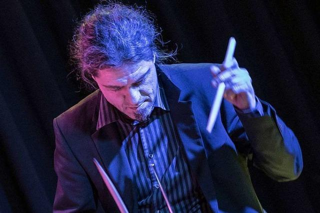Der Freiburger Schlagzeuger Matthias Daneck tourt mit Ute Lemper