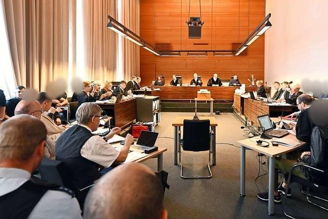 Zeugen aus dem Bekanntenkreis der Angeklagten berichten nur vom Hörensagen