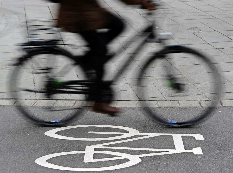 Radler bekommen in der Günterstalstraße mehr Platz.  | Foto: Daniel Bockwoldt