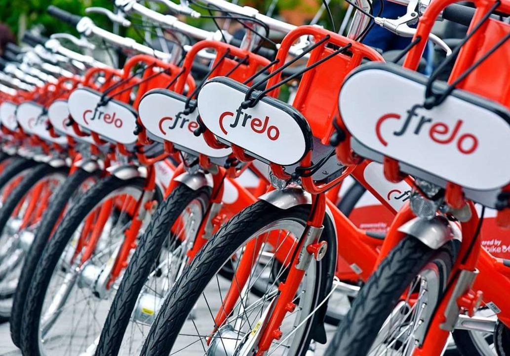 Inzwischen stehen 400  Frelo-Leihfahrräder  an 54 Stationen in Freiburg.  | Foto: Michael Bamberger