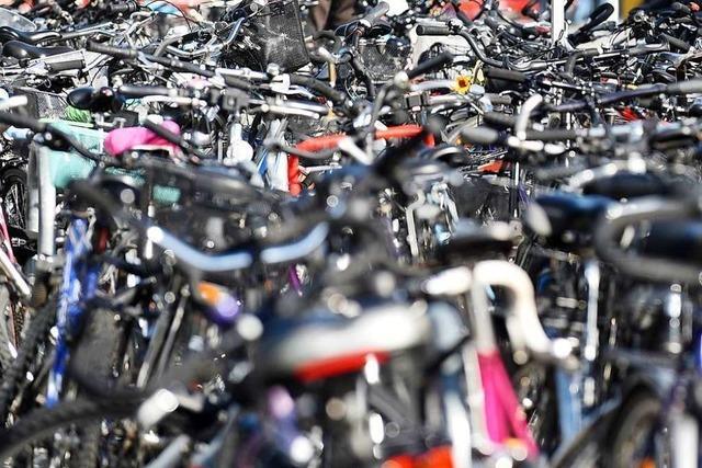Fahrräder und Fundsachen werden in Landwasser versteigert
