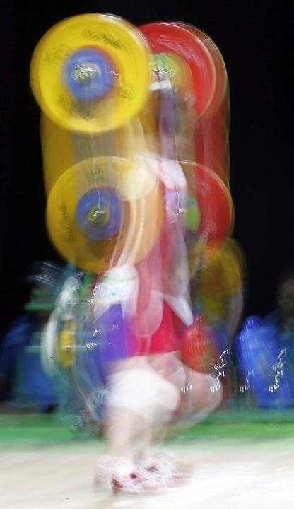 Wie aus einem Guss soll es bei den Lör...imauftakt gegen den AC Mutterstadt II.  | Foto: Larry W. Smith