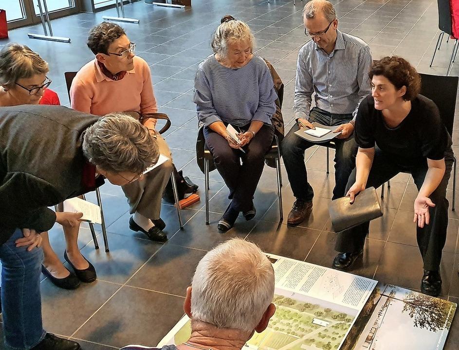 Bei einem Bürgerdialog wurden Ideen fü...neue Kulturzentrum Art´ Rhena gesucht.  | Foto: Julius Wilhelm Steckmeister