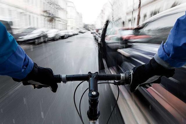Nach Verkehrsunfall in Denzlingen schlägt Mann des Opfers Unfallverursacher nieder