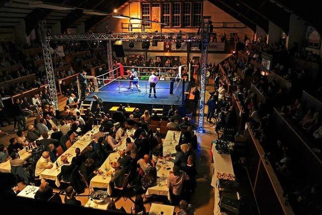 Blau-Weiß Lahr feiert Abschied von Großmarkthalle mit Boxnacht