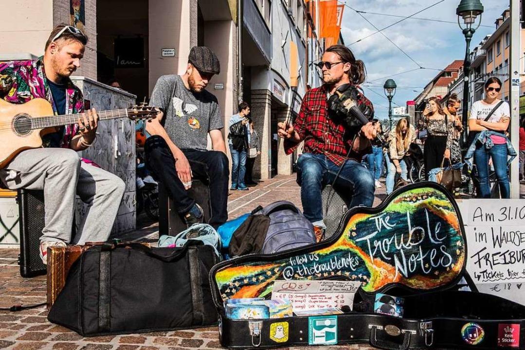 The Trouble Notes bei ihrem Gig in der Freiburger Innenstadt  | Foto: Stefanie Tendler - Lalalopoberlin Photography