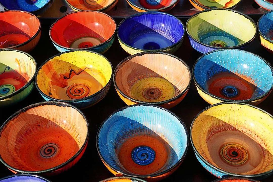 Keramik jeglicher Couleur gibt's... beim Töpfermarkt in Waldshut-Tiengen.  | Foto: Harald Busse