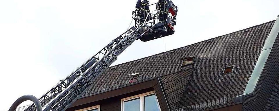 Brand in mehrgeschossigem Gebäude in Neustadt ist unter Kontrolle